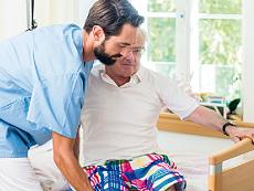 Altenpfleger /-in