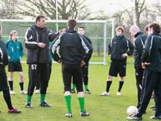 Fußballtrainer /-in
