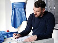 Modedesigner /-in